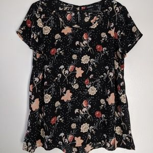 Torrid, black floral pleated top